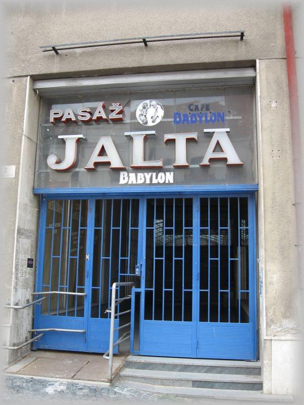 Pasáž Jalta v Brně
