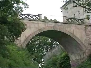 Přístupový most k hradu