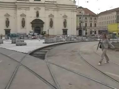 stavební práce na křižovatce ulic Rašinova a Joštova