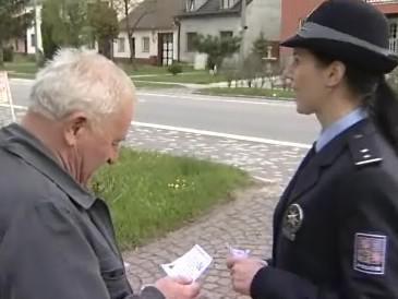 Policisté varují obyvatele obce Bánov před zloději