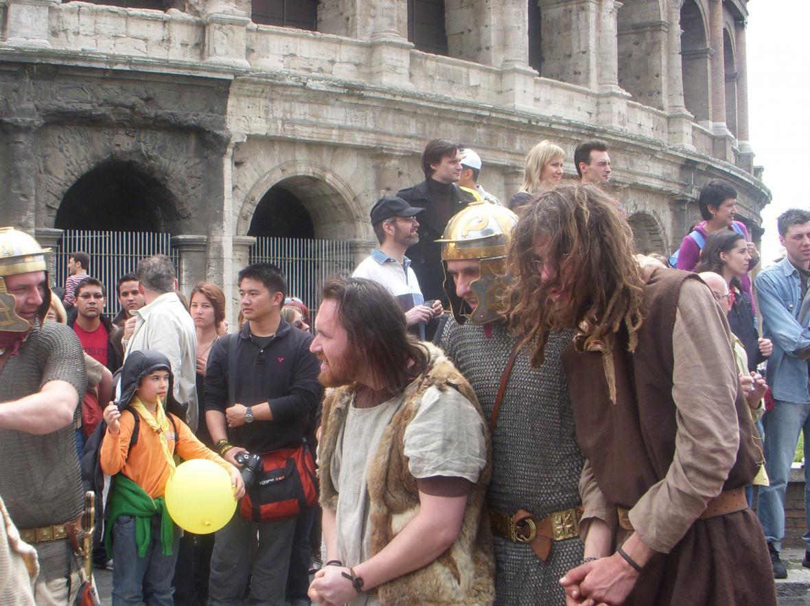 Šermířská skupina jako římští bojovníci