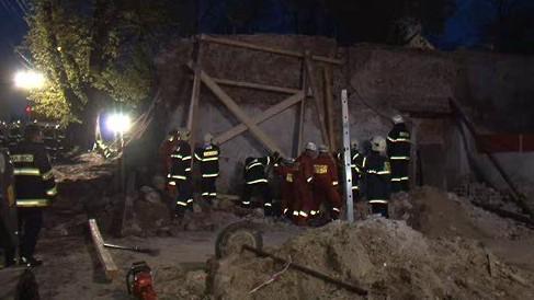 V Židlochovicích spadla hřbitovní zeď