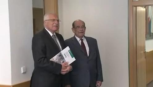 prezident Václav Klaus navštívil ombudsmana Otakara Motejla