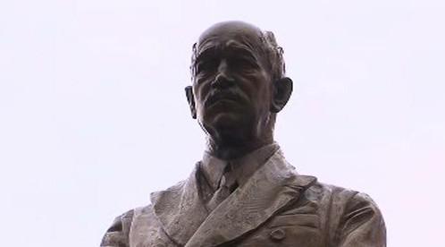 Detail sochy prezidenta Edvarda Beneše