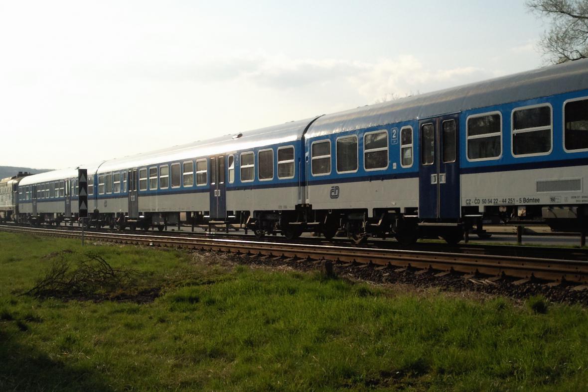 Vlak, který se srazil s autobusem