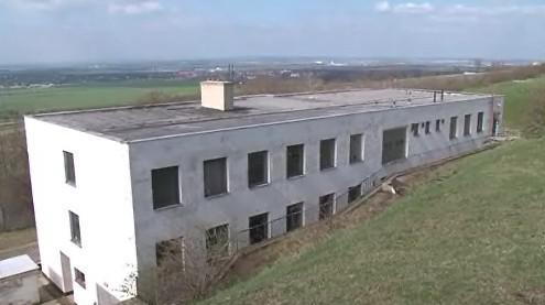 bývalý armádní objekt
