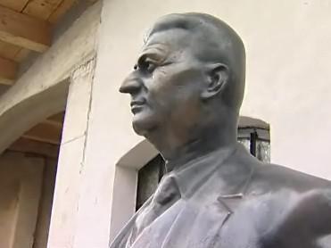 Baťova socha