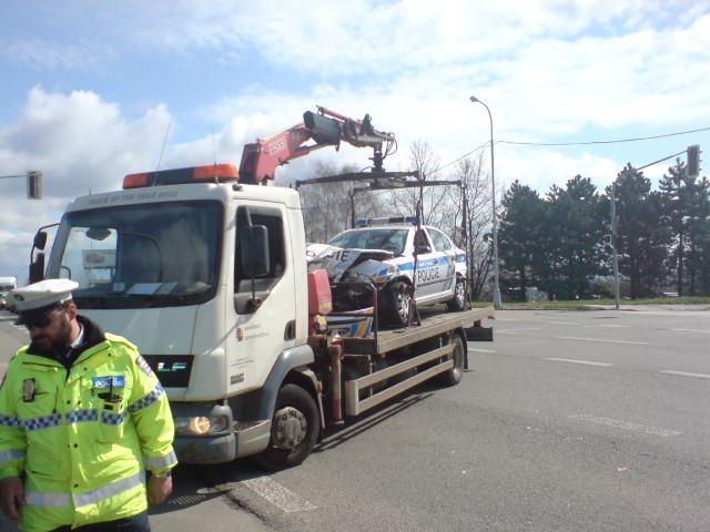 V Brně havarovali policisté cestou k zásahu