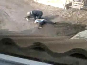 Amatérské záběry policejního zásahu ve Svitávce