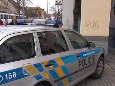 Policie vyšetřuje přepadení banky