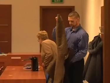 Před brněnským soudem stanul policista, který čelí žalobě, že přechovával dětskou pornografii
