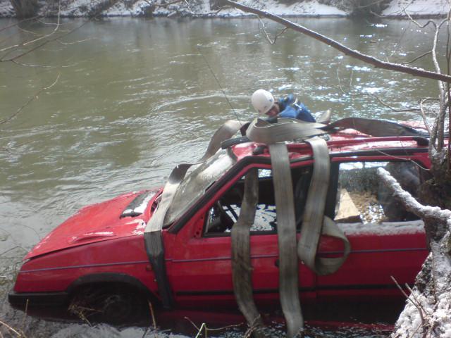Vyprošťování automobilu