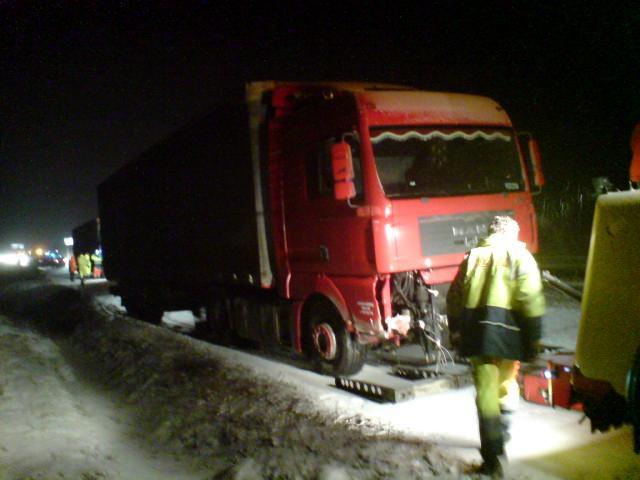 Nehoda kamionu na D1 u Velkého Meziříčí