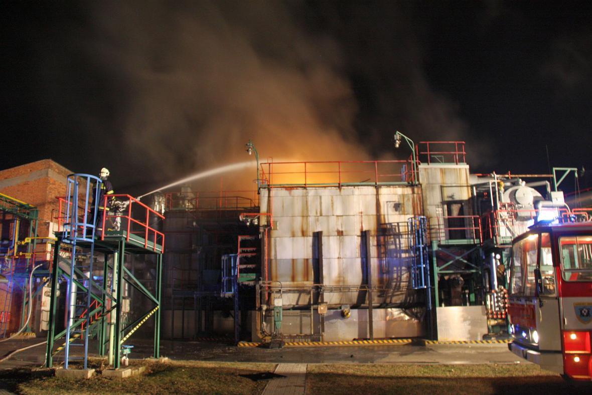 Požár v chemičce v Otrokovicích