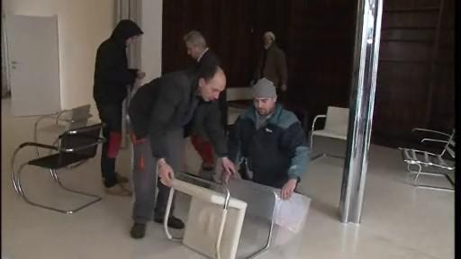 Vila Tugendhat: stěhování nábytku