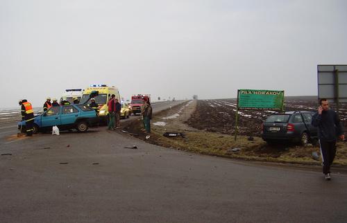 Havárie dvou osobních aut u Šlapanic