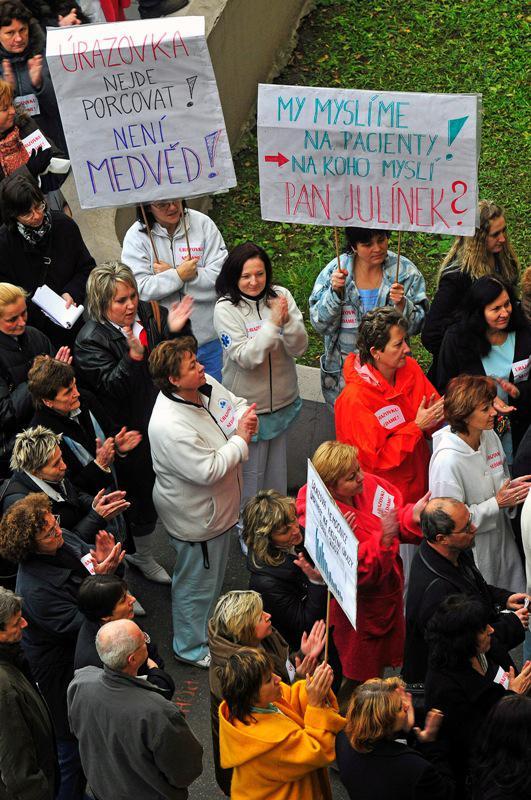 Demonstrace u brněnské úrazovky