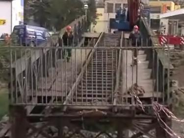 Stěhování Ježkova mostu