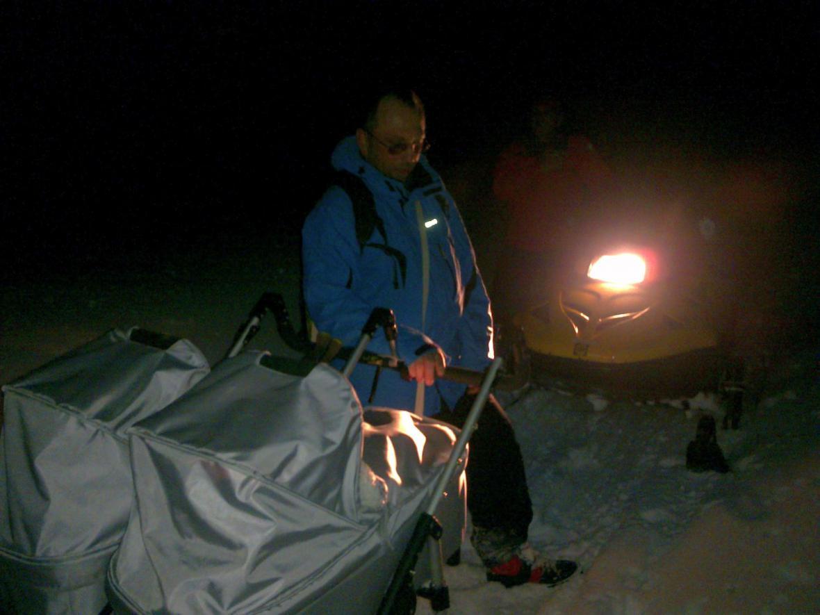 Pátrání po běžkaři a dvou batolatech v Hostýnských vrších