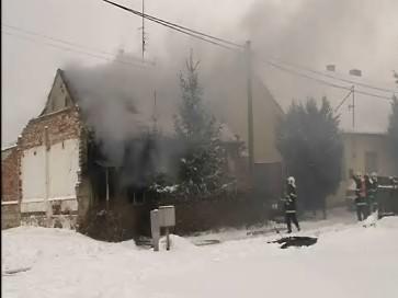 Hasiči likvidují požár v Bzenci