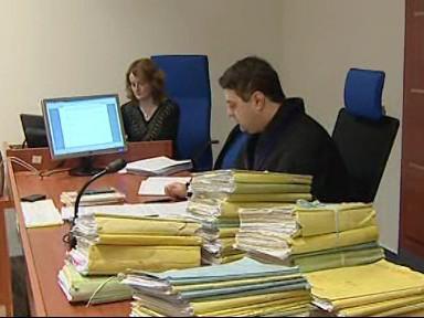 Soudy přezkoumávají tresty