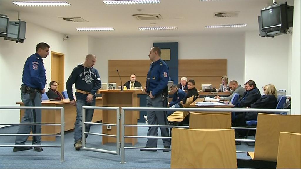 Trojice mužů odsouzená za krádeže luxusních aut BMW