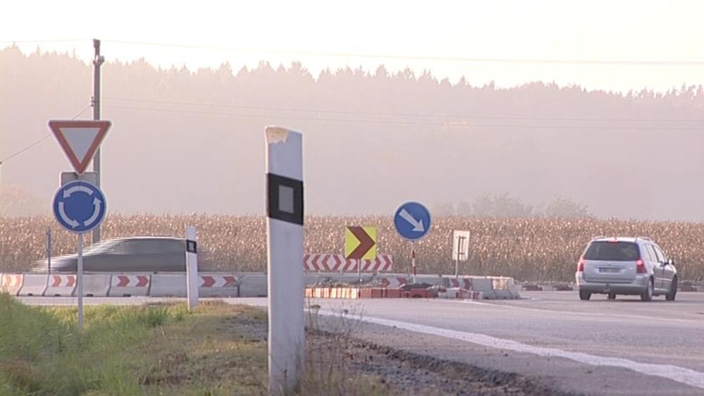 Problematický kruhový objezd v Lipůvce