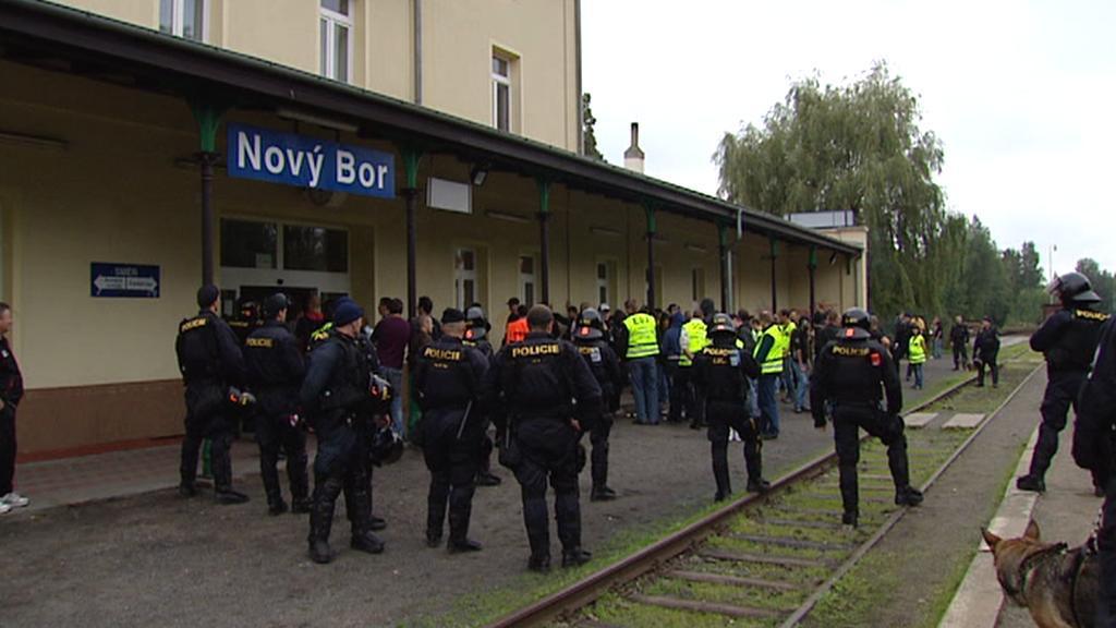 Policisté na nádraží