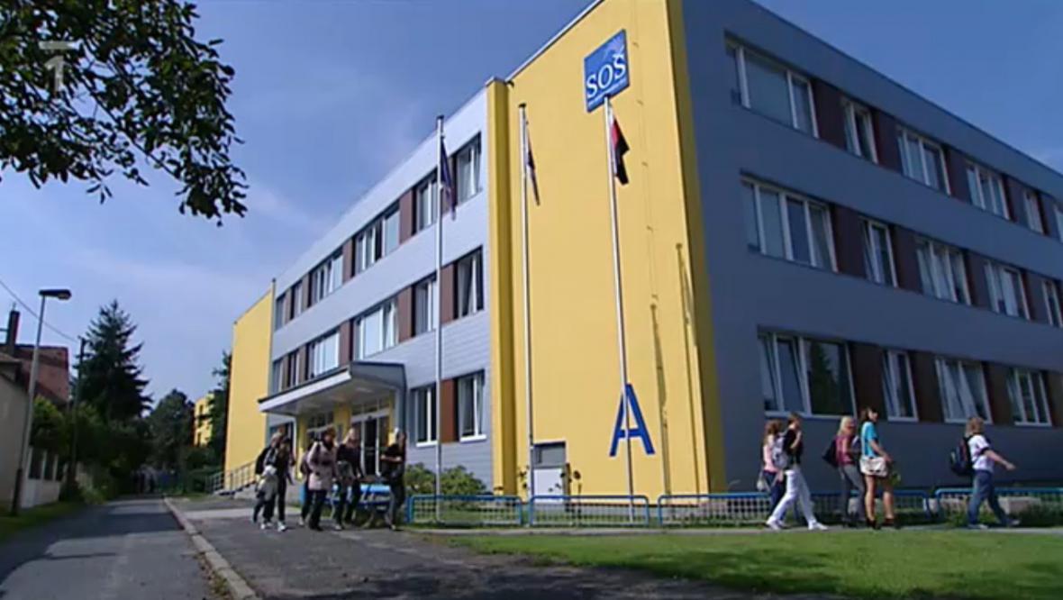 Budova SOŠ pro administrativu EU v Horních Počernicích