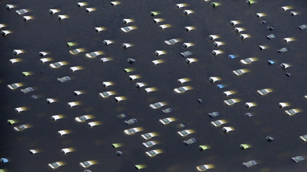 Zaplavená auta v Thajsku