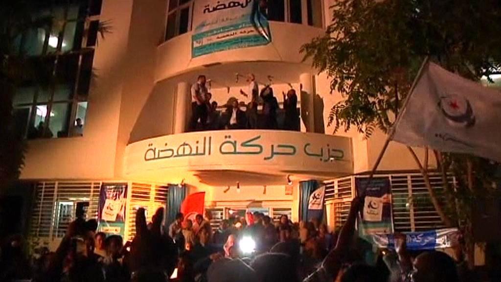 Oslavy výsledků voleb v Tunisku