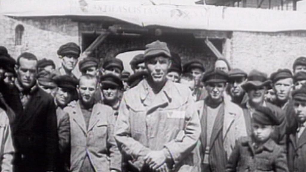 Historický záběr z tábora v Mauthausenu