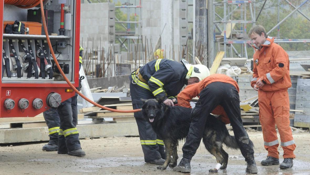 Záchranáři na místě neštěstí