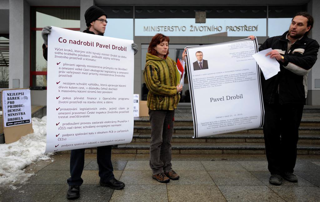 Protest proti Pavlu Drobilovi