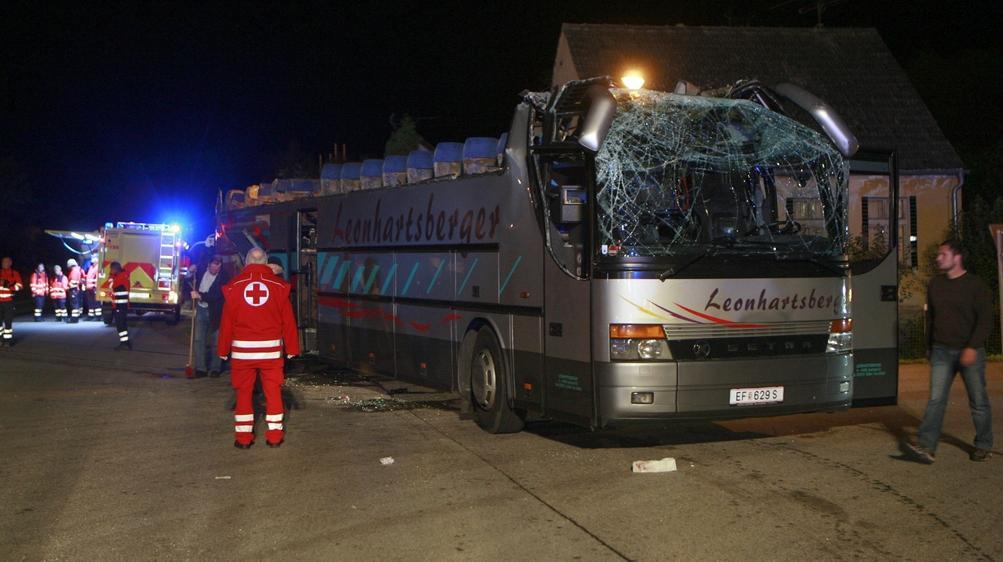Hvarovaný autobus u Dolního Dvořiště