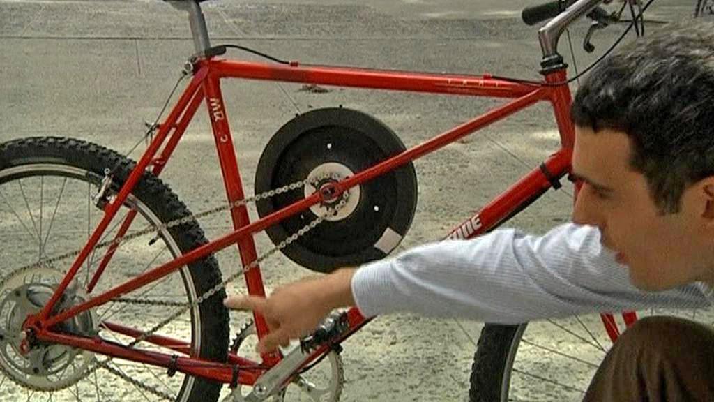 Kolo s cyklistickým setrvačníkem