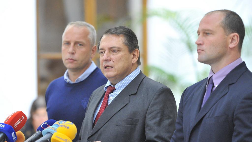 Jiří Paroubek oznamuje odchod z ČSSD