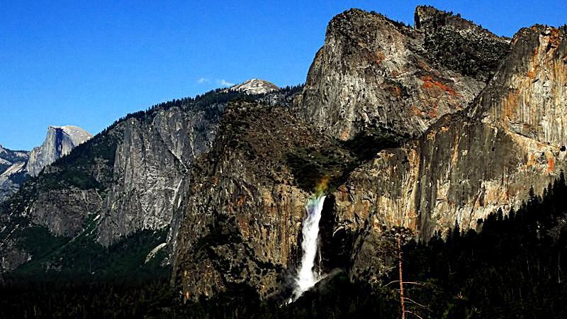 """Yosemitský národní park - vodopád Bridalveil Fall (""""závoj nevěsty"""")"""
