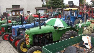 Ze srazu historických traktorů