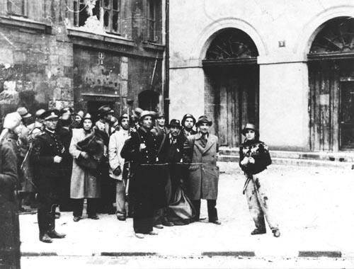 Povstalci při pražských bojích proti Němcům