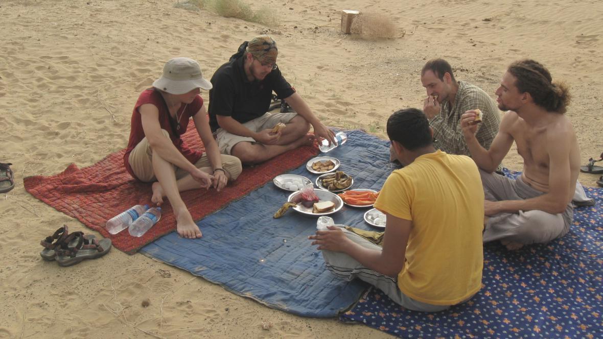 Snídaně na indické poušti