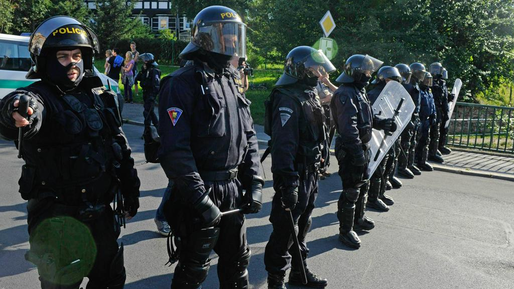 Policie dohlíží na demonstraci ve Varnsdorfu