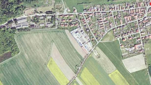 Pozemky v obci Chyňava