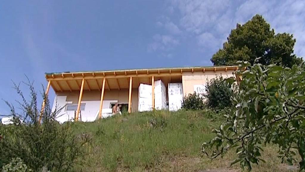 Dům z tetrapakových desek