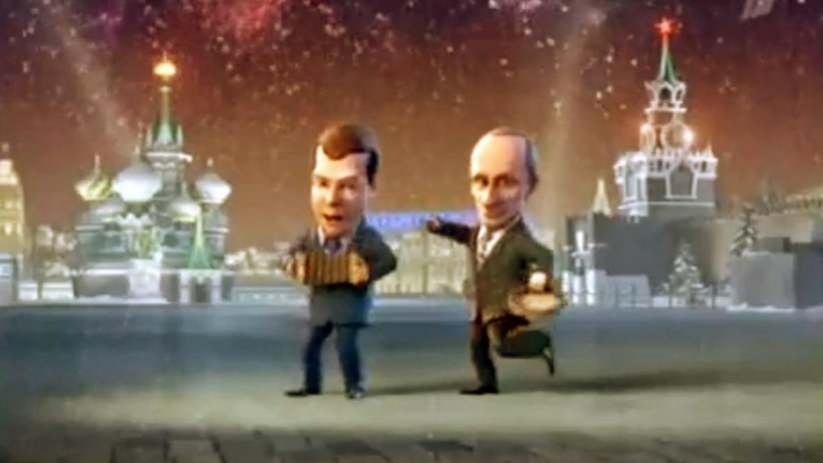 Dmitrij Medvěděv a Vladmiri Putin v žertovném novoročním klipu