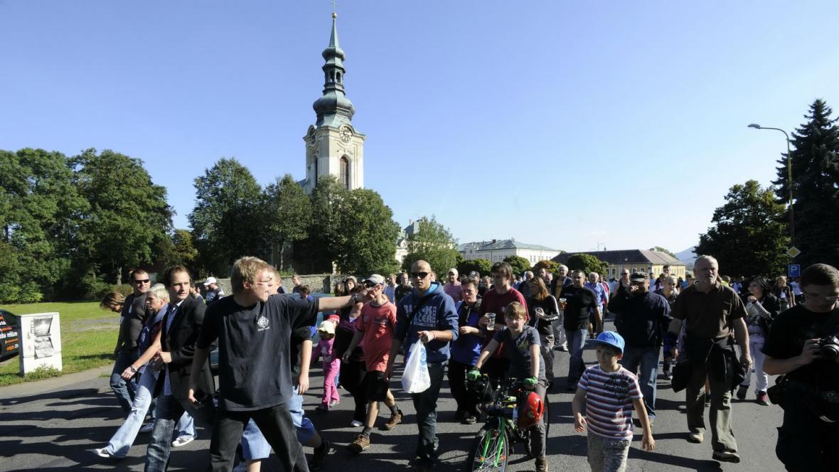 Demonstrace ve Vanrsdorfu proti vedení města