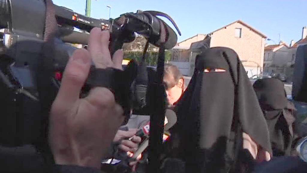 Ve Francii padly tresty za nošení nikábu