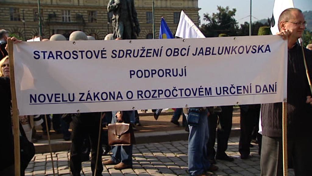 Demonstrace starostů na podporu určení daní