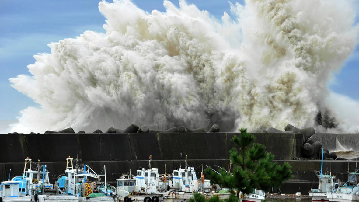 Tajfun Roke v Japonsku