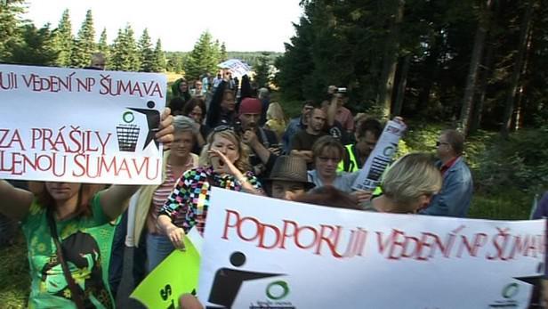 Demonstrace na podporu kácení